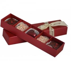Кутия с 5 бр. бонбони с мотиви