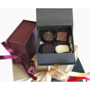 Луксозна кутийка с 4 бр. бонбони асорти